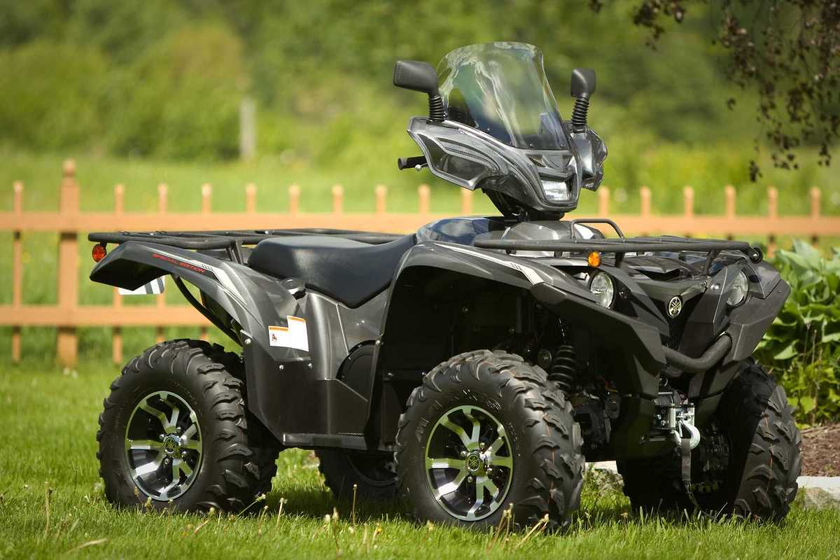 Yamaha grizzly 700 2016 matte black yg 16 model atv windshield with vip air atv windshield you offer yourself the best sciox Choice Image